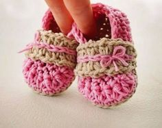 Crochet Pattern for Baby Booties Baby Bow Shoes by mellonybester