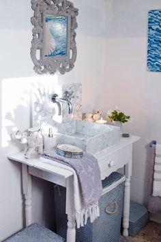 Hladnoću kupaonice možete razbiti uporabom prirodnih materijala