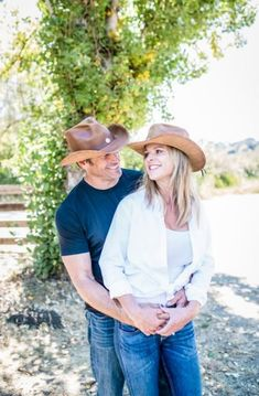 This workhorse of a Cowboy hat is a dream. Handcrafted from a lightweight top grain leather will wear as if it is not there. #hats #cowboyhats Only Fashion, Fashion Over 40, Womens Fashion, Fashion Edgy, Fashion Hats, Latest Fashion, Fashion Brands, Fashion Websites, Fashion Black