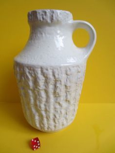 WGP Carstens Tönnishof 221-25 Keramik Vase Relief weiß 25 cm Vintage 70