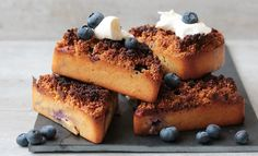 Blueberry crumble cakes! | Oanh's Kitchen