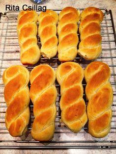Hot Dog Buns, Hot Dogs, Bread Dough Recipe, Ravioli, Hamburger, Food And Drink, Baking, Recipes, Dios