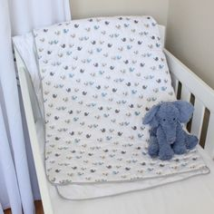 Baby Birds Quilted Cotton Playmat with blue, grey and cream birds. Available online at www.babesandkids.co.za Bird Quilt, Tummy Time, Blue Grey, Kids Rugs, Birds, Blanket, Cream, Cotton, Baby