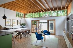 Reconstruction of a Home in Austin, USA by Murray Legge Architecture