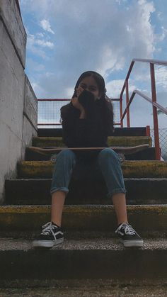 Cute Cartoon Girl, Fake Girls, Girl Photography Poses, Ulzzang Girl, Girl Pictures, Selfies, Skate, Cool Photos, Girly