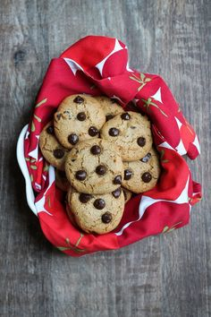 TheBest Vegan Gluten-free Chocolate Chip Cookies. Theseare classic in taste and texture, chewy and rich and also happen to be gluten-free and oil-free as well! You only need 8 ingredients to make these. These wow everybody who has them and also shock them that there is no all-purpose flour or butter or white sugar! PERFECT VEGAN CHOCOLATE CHIP COOKIES The