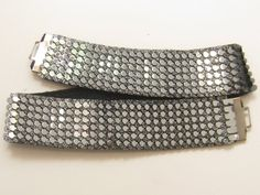 Vintage silver tone metal fish scale stretch belt, black cloth back, very good condition, x (ph 248 Vintage Silver, Vintage Jewelry, Metal Fish, Tiffany Wedding, Silver Belts, Stretch Belt, Fish Scales, Vintage Fashion, Vintage Style