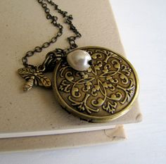 Vintage Honey Bee Locket