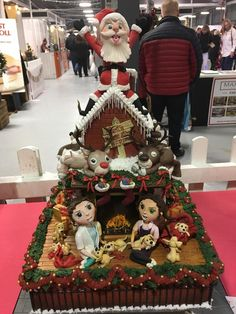 Santa rooftop creation at the Manchester Cake and Bake Show ... wonderful!