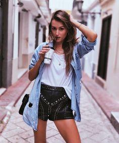 "647 Me gusta, 16 comentarios - Ioanna Pennia (@ioanna_pennia) en Instagram: ""Denims & leathers…"""