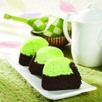 CAKE KUKUS PANDAN COKELAT http://www.sajiansedap.com/mobile/detail/8285/cake-kukus-pandan-cokelat