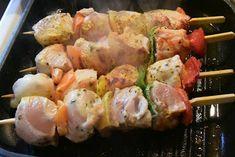 Κοτοσουβλάκια με υπέροχη μαρινάδα & γεύση !!! ~ ΜΑΓΕΙΡΙΚΗ ΚΑΙ ΣΥΝΤΑΓΕΣ Shrimp, Meat, Chicken, Food, Essen, Meals, Yemek, Eten, Cubs