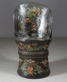 Rosemalt kubbestol, tidlig 1900 t. H: 78 cm. Prisantydning: ( 1500 - 2000) Solgt for: 1400