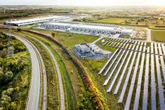 Data centers – Google Data centers Climate Change Problems, Best Truck Camper, Ups System, Electricity Usage, Emergency Power, Energy Storage, Social Science, Renewable Energy, See Photo