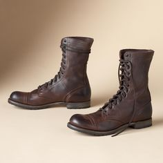 MOLLY MILITARY JUMP BOOTS -- Weathered leather starts with a cap toe and laces above the ankle. Made in the USA by Vintage Shoe Company®. Whole and half sizes 6 to our entire Vintage Shoe Company® Collection. Vintage Shoes, Vintage Outfits, Fashion Vintage, Men's Shoes, Dress Shoes, Dress Skirt, Mode Rock, Mens Boots Fashion, Shoe Company