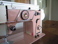 Vintage Pink sewing Machine. Love.