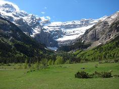 Walkopedia - the world's best walks, treks and hikes: Gavarnie Area, Pyrenees, France