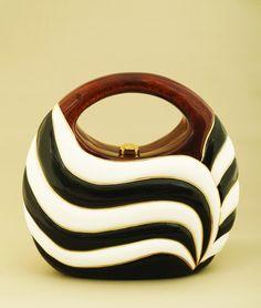 Rocio bag, handmade from sustainable acacia softwood