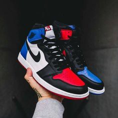 33a2aa636cc3d0 The Jordan 1 Top 3 based on the colors of the Royal Blue