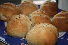 Chlebové housky/dalamánky Slovak Recipes, Russian Recipes, Bread Recipes, Bread Rolls, Baguette, Pie, Yummy Food, Baking, Breads
