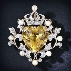 you know how I love citrine ! Edwardian citrine, diamond, and pearl brooch Jewelry Box, Jewelery, Jewelry Accessories, Fine Jewelry, Jewelry Design, Chanel Jewelry, Jewelry Stores, Gold Jewelry, Gold Necklace