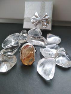 Citrínový prsteň z chirurgickej ocele.