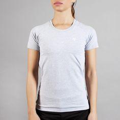 PREMIUM Basic Logo Shirt Light Grey #lightgrey #brand #fashion #gym # fitness #gymwear #fitnesswear #gymclothes #womenswear #sporty #sport #sportswear