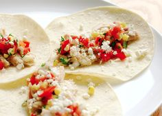 Soft Tacos with Chicken and Tomato-Corn Salsa Recipe Baked Panko Chicken, Soft Tacos, Corn Salsa, Healthy Recipes, Delicious Recipes, Healthy Foods, Chicken Tacos, Chicken Recipes, Clean Eating