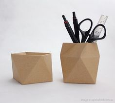 thread lid antiprism by Azumi Mitsuboshi