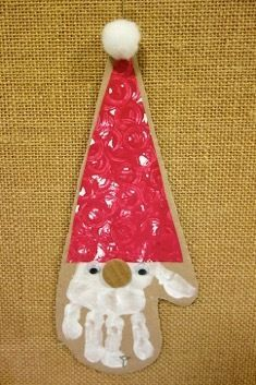 Some Christmas decorations at Les Petits by Christine F - petite section school Preschool Christmas, Christmas Crafts For Kids, Christmas Activities, Christmas Projects, Kids Christmas, Holiday Crafts, Christmas Decorations, Christmas Ornaments, Daycare Crafts