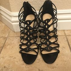 Jessica Simpson sandals Only worn a couple times, 2.5 inch heel. Very cute comfortable  shoes!! Jessica Simpson Shoes Sandals
