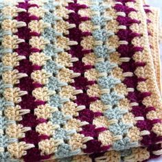 Larksfoot Blanket (Free Pattern) ༺✿Teresa Restegui http://www.pinterest.com/teretegui/✿༻