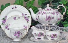 I have this tea pot Violet love. Violets Elizabeth Grey Style Bone China English Tea Set Z I have this tea pot Violet love. Violets Elizabeth Grey Style Bone China English Tea Set Z Vintage China, Vintage Tea, Tea Cup Saucer, Tea Cups, China Tea Sets, Teapots And Cups, My Cup Of Tea, Tea Service, Coffee Set