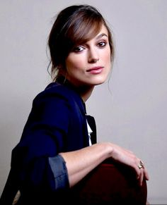 """""""Keira Knightley"""" Keira Knightley Hair, Keira Christina Knightley, Van Damme, Actrices Hollywood, English Actresses, Henry Cavill, Hollywood Celebrities, Film Industry, Cute Woman"""
