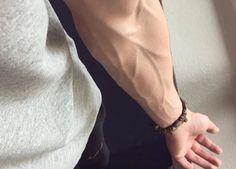 Ti si vedono le vene nelle braccia? Non è sempre un buon segno: un caso in cui devi farti delle domande - http://www.sostenitori.info/ti-si-vedono-le-vene-nelle-braccia-non-sempre-un-buon-segno-un-caso-cui-devi-farti-delle-domande/256081