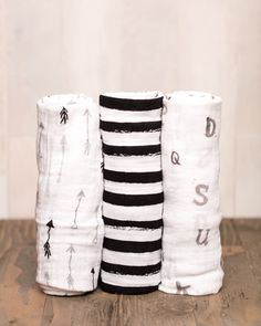 Muslin Swaddle Set, black and white (*love the little arrows)