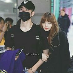 """[ second book of cliché ] """"Have you ever met someone and feels like … # Fiksi penggemar # amreading # books # wattpad Kpop Couples, Cute Couples, Lisa Bp, Blackpink And Bts, Jaehyun Nct, Lee Min Ho, Chanyeol, Mom And Dad, Korea"""