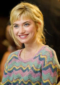 Imogen Poots in A Long Way Down, love her hair !