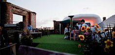 London Pop-ups: Dalston Roof Park Rooftop Bar for Summer 2013 London Rooftop Bar, Best Rooftop Bars, London Free, East London, Bars And Clubs, London Places, Rooftop Garden, Beer Garden, Dolores Park