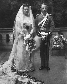 Prince Heinrich XXXIII. Reuss and Princess Viktoria Margaret of Prussia.