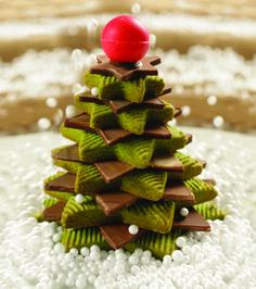 """Recomendación navideña de la #reposteriaastor ... """"ÁRBOL GALLETA""""... #galletas #chocolates  Regala Astor, regala amor  www.elastor.com.co"""