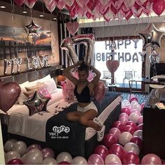 Gifts birthday aesthetic new ideas birthday gifts 20 trendy ideas for birthday pictures friends birthday Hotel Party, 17th Birthday Gifts, Sleepover Birthday Parties, Birthday Party For Teens, Birthday Photos, Birthday Bash, Girl Birthday, Birthday Room Surprise, Hotel Sleepover Party