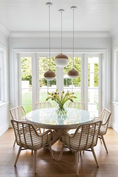 Home Interior Green .Home Interior Green Dining Nook, Dining Room Design, Kitchen Dining, Cozy Kitchen, Kitchen Nook Table, Ikea Dining Room, Design Desk, Dinning Table, Style At Home