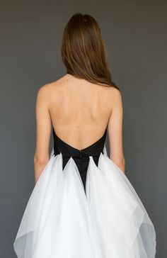 The Lovely Artemis | Elika In Love. Shop the look wwww.elikainlove.com Bras For Backless Dresses, Backless Evening Gowns, Strapless Mini Dress, Backless Wedding, Wedding Dress Resale, Boho Chic Wedding Dress, Black Tie Gown, Popular Wedding Dresses, Summer Dress Patterns