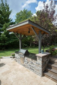 Simple Outdoor Kitchen, Small Outdoor Kitchens, Outdoor Kitchen Bars, Backyard Kitchen, Backyard Bbq, Outdoor Kitchen Design, Small Patio, Outdoor Grill Area, Outdoor Grill Station