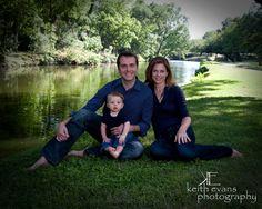 Family Portraits - Family Portrait Ideas - Family Pictures - Lakeside - Portraits Family Portraits