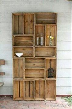 Wooden crates to create shelve