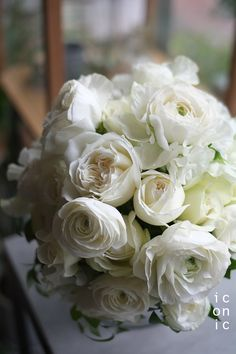 Ranunculus,Rose, Sweet pea,wedding bouquet,iconicflower