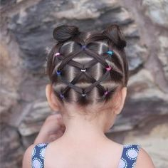 """507 curtidas, 86 comentários - Mariel Toddler Hairstyles (@curious_strands) no Instagram: """"Super cute elastics hairstyle inspired by the very talented Patricia @pr3ttygirl79 we hope you…"""""""