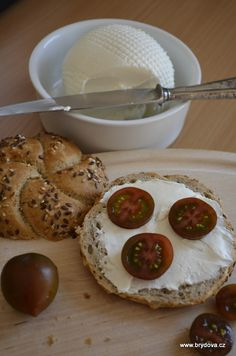 Domácí lučina Russian Recipes, How To Make Cheese, Camembert Cheese, French Toast, Good Food, Dairy, Food And Drink, Appetizers, Homemade